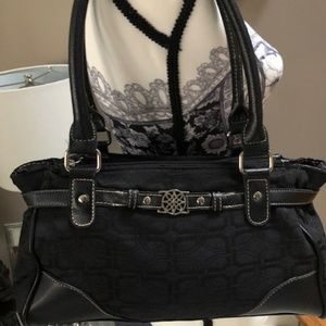 Handbags - BLACK MEDIUM SIZE PURSE GREAT CONDITION